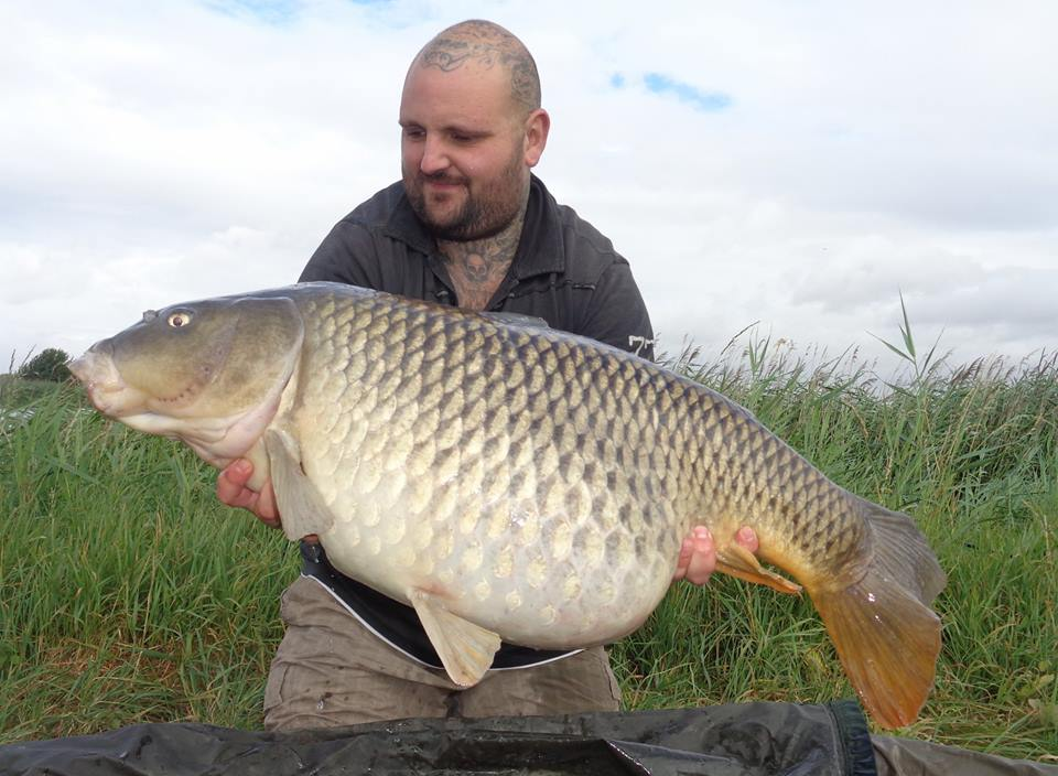 Steve Stocking with his lake record common of 37-02